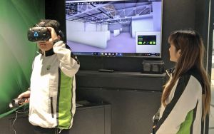 Staff of the Centre demonstrates how to use Building Information Modelling (BIM) to illustrate the construction sequences of a construction project in a virtual reality environment..