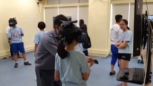 At the VTC's Open Day, the VR teaching and training facilities on display have attracted many young people to test and try them..