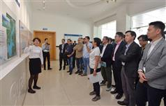 The Secretary for Development, Mr Eric Ma (second right), joins a duty visit to the Dongjiang River Basin by Legislative Council (LegCo) members today (April 15). Picture shows Mr Ma and the LegCo members visiting the Bio-nitrification Plant of the Shenzhen Reservoir to learn more about its operation and the treatment of Dongjiang water before its entering into the Shenzhen Reservoir..