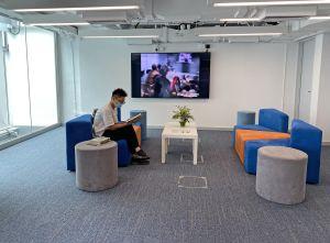 展城馆四楼增设的「荟友廊」,让访客可阅读有关城市规划和基建发展的书籍。.