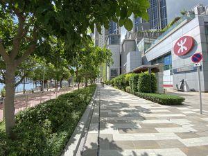 单车径毗邻港铁荃湾西站及荃湾西站公共运输交汇处,方便区外居民到访单车径。.